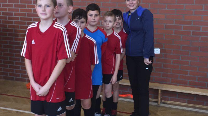Rokitki mają pierwsze miejsce w Mikołajkowym Turnieju Piłki Nożnej.